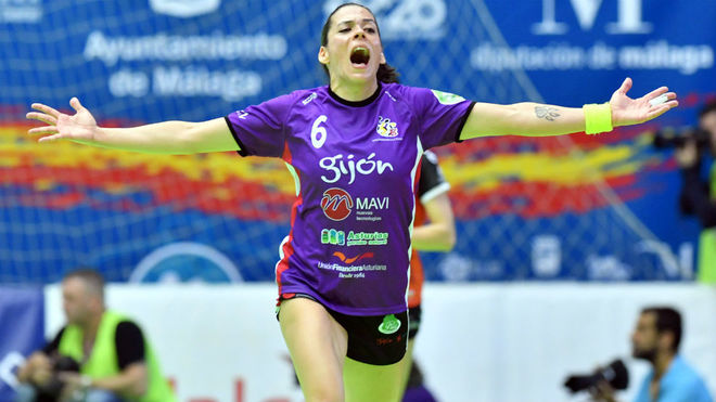Raquel Caño celebra un de sus goles en la Copa de la Reina