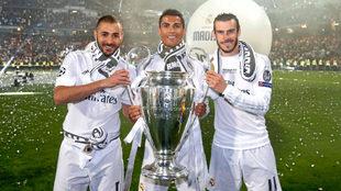 Benzemá, Cristiano y Bale durante la celebración de la Champions