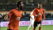 Arda celebra su último gol con el Basaksehir