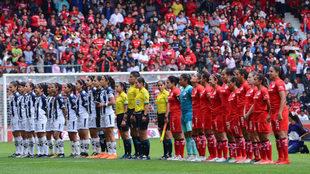 El Nemesio Diez acogió la ida de las semifinales entre Toluca y...