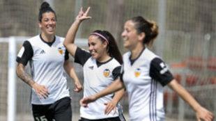 Mari Paz Vilas celebra un gol en la Liga Iberdrola.