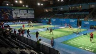 Los participantes del Europeo entrenando hoy en el pabellón Carolina...