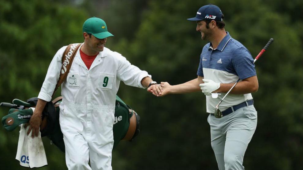 Adam Hayes y Jon Rahm, durante el pasado Masters de Augusta.