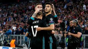 Ramos, Lucas y Asensio celebran el gol