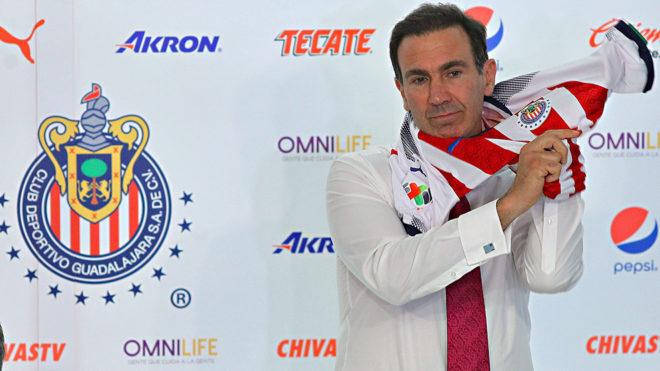 Paco Gabriel vivie su primer título con Chivas.