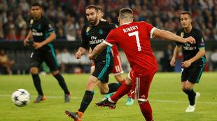 Ribéry en una jugada durante el partido del Bayern ante el Real...
