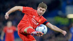 Gerrard en un partido con el Liverpool