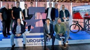 Parte del equipo de Eurosport especializado en ciclismo, con algunos...