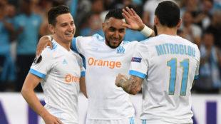 Payet celebra con Thauvin y Mitroglou uno de los goles del Marsella.