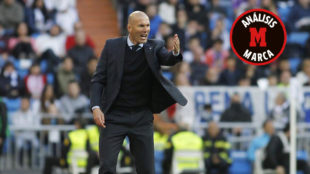 Zidane da instrucciones durante el partido ante el Leganés