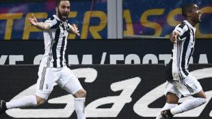 Higuaín celebra el tanto que marcó al Inter