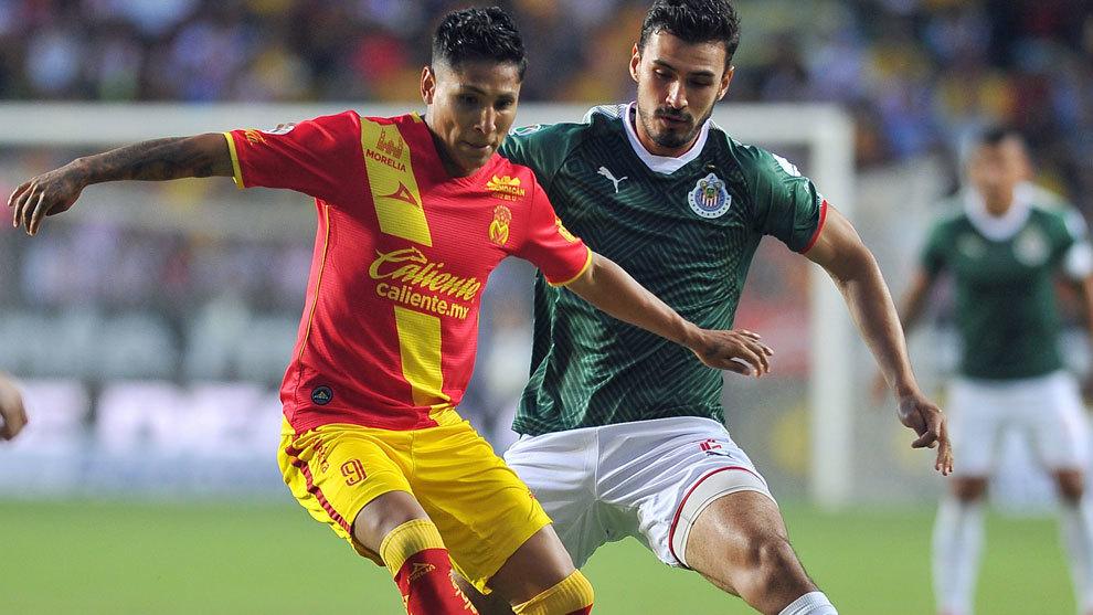 Oswaldo Alanis, juganco con el Chivas