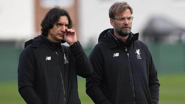 Zeljko Buvac y Jurgen Klopp, en un entrenamiento del Liverpool