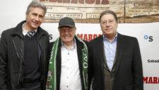 Ratkovic, Marcelino y Antonio Ronsendo (derecha) durante un homenaje...