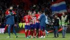 El Atlético celebra el pase a la final de la Europa League.