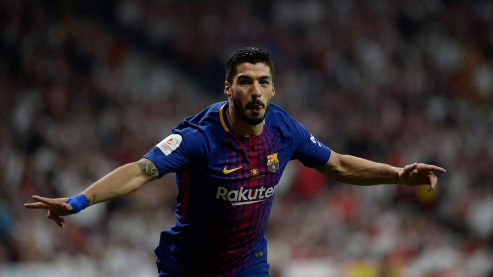 FC Barcelona  Luis Suárez ya lleva una manita frente al Madrid ... b75ef1d068398