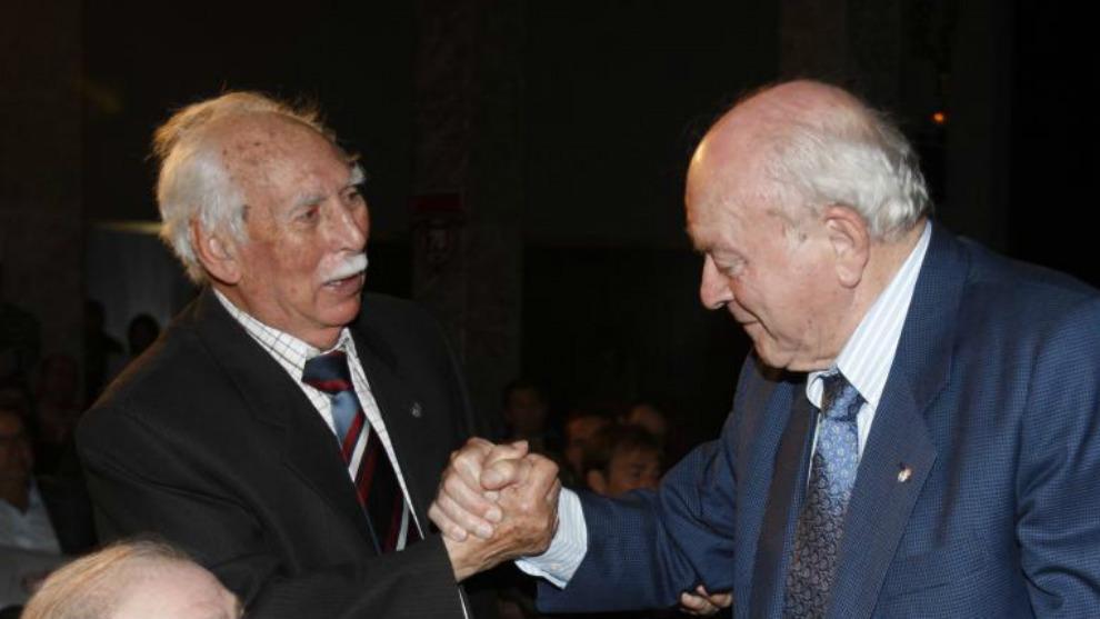 Alfredo Benito saluda a Alfredo Di Stefano en la gala del 70...