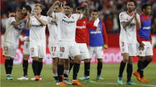 Sevilla eke out a victory in Caparros' first match back