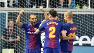 Los jugadores del Barcelona Lassa celebran uno de los goles.