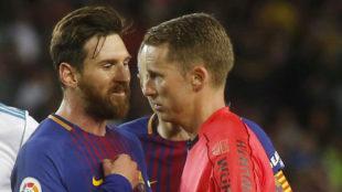 Messi, protestando al colegiado.