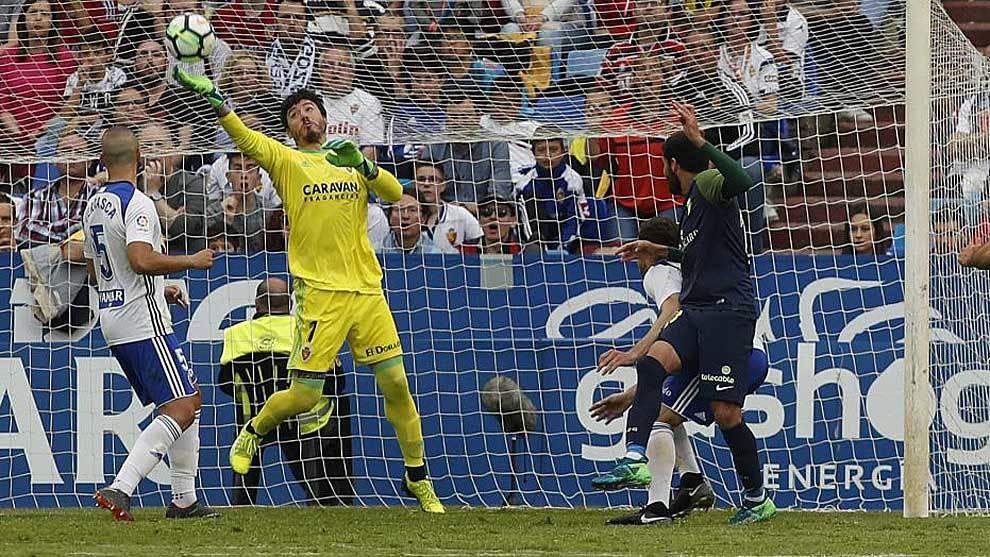 Este es el momento de la impresionante parada de Cristian Álvarez a...