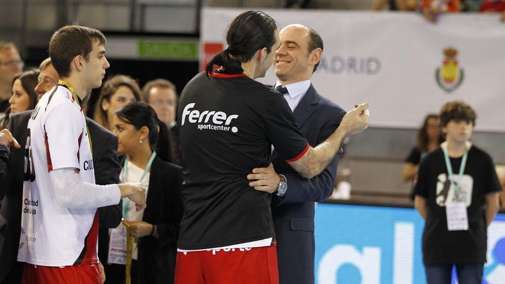 José Javier Hombrados saludó al término del partido a Rubén...