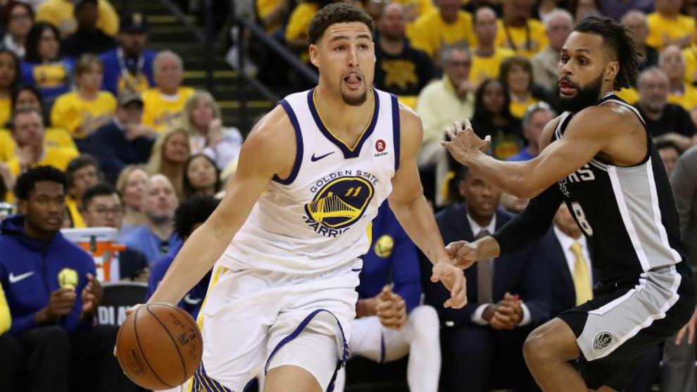 Klay Thompson jugando en los 'playoffs' de la NBA con los Golden State...