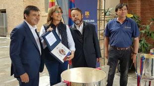 Antoni Guil, Alba Bosch, Antonio Tombas y Jordi Monturiol delante del...