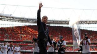 Arsène Wenger se despide de los fans del Arsenal en su último...