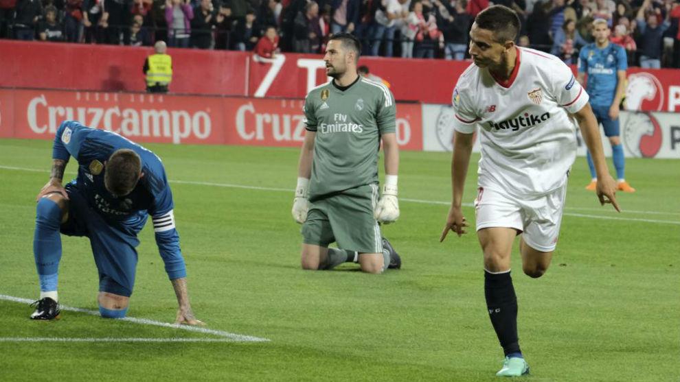 Ben Yedder celebra su gol ante Ramos y Kiko Casilla