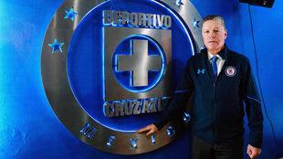 Ricardo Peláez en las instalaciones de Cruz Azul.