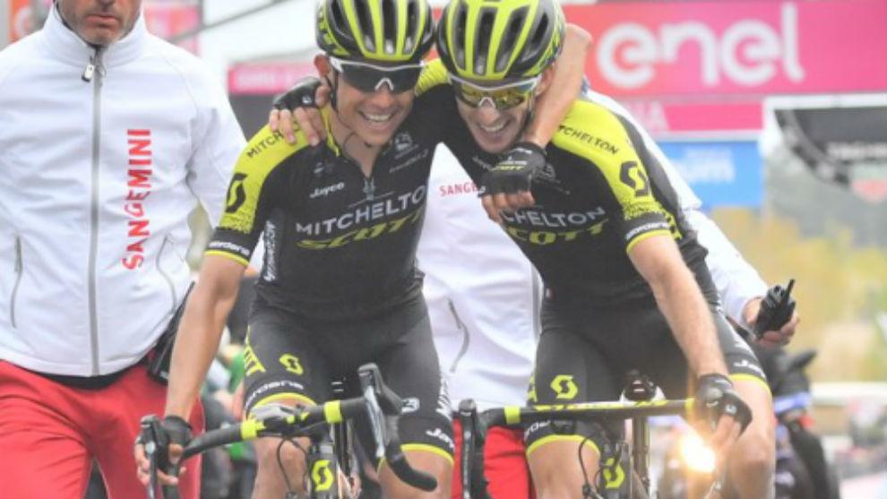 Chaves y Simon Yates celebran juntos el doblete en el Etna.