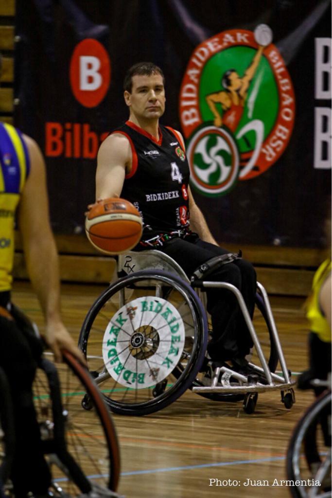 Joshua Turek, del Bidaideak, durante un partido