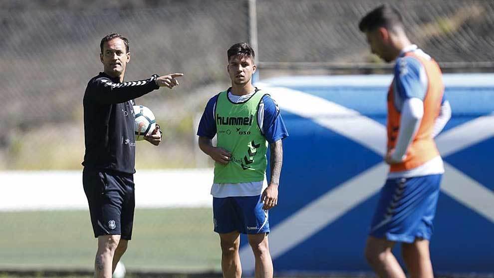 Joseba Etxeberria dà istruzioni in una sessione