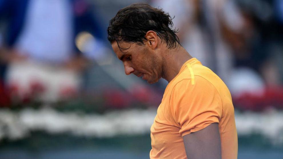 Rafa Nadal se lamenta durante su partido ante Dominic Thiem.