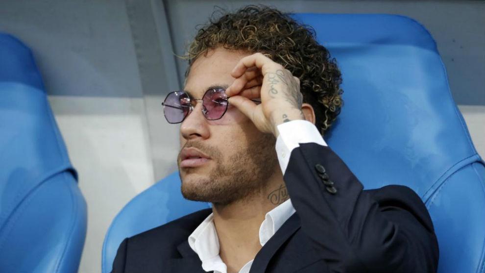 Neymar, antes de la final de la Copa Francesa entre Les Herbiers y...