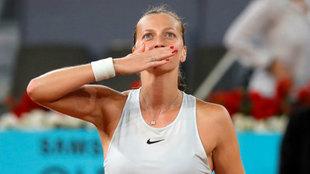Petra Kvitova saluda a la grada tras su triunfo en las semifinales