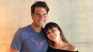 Rafa Nadal y Aitana Ocaña posan en la Caja Mágica.