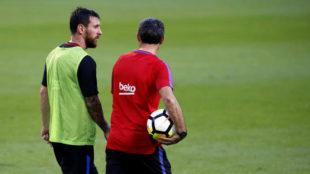 Messi y Valverde, en un entrenamiento.