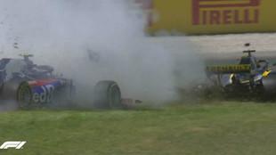 Hulkenberg y Gasly, tras su impacto con Grosjean