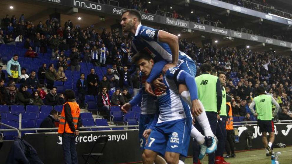 Gerard Moreno y Baptistao celebran un gol en el RCDE Stadium