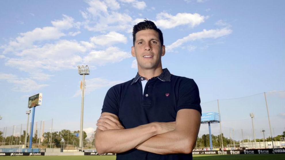 Javi López posa en la Ciudad Deportiva