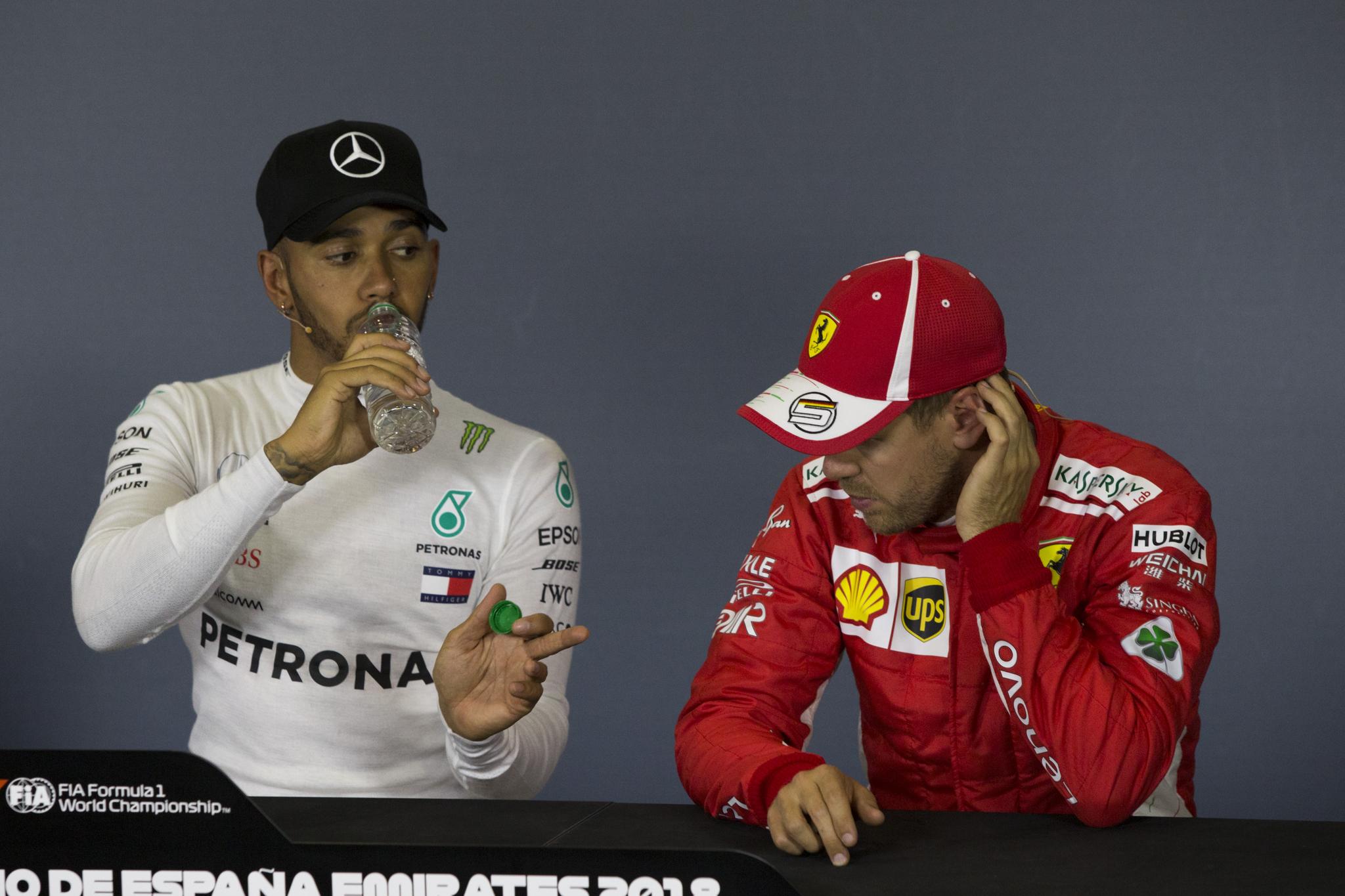 Hamilton y Vettel, durante la rueda de prensa posterior a la...