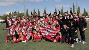 Las jugadoras del Atlético celebran en Zaragoza el título liguero