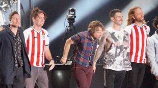 Maroon 5 deleitó a más de 19 mil personas en el estadio de las...