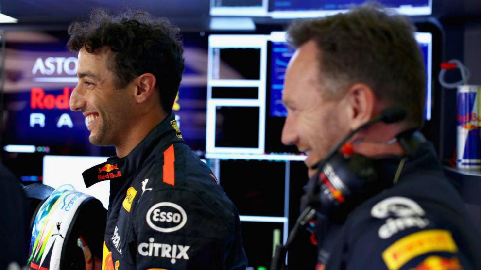 Horner y Ricciardo, durante el GP de España de F1