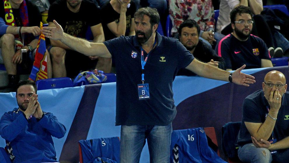 Vujovic durante un partido con el RK Zagreb ante el Barça de...