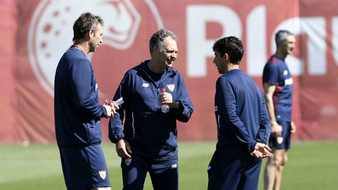 Caparrós, junto a Luci y Paco Gallardo.