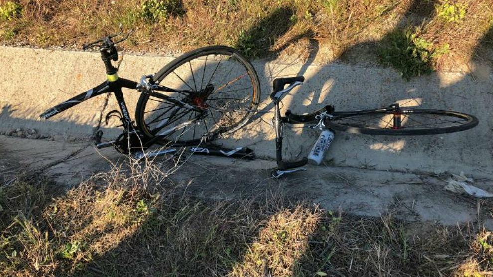 Así quedó la bicicleta tras el atropello en Valverde del Majano.