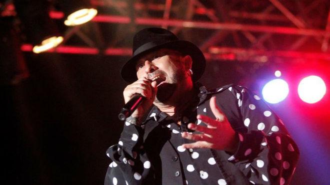 """El cantante José Luis Figuereo Franco, mas conocido como """"El Barrio"""",..."""